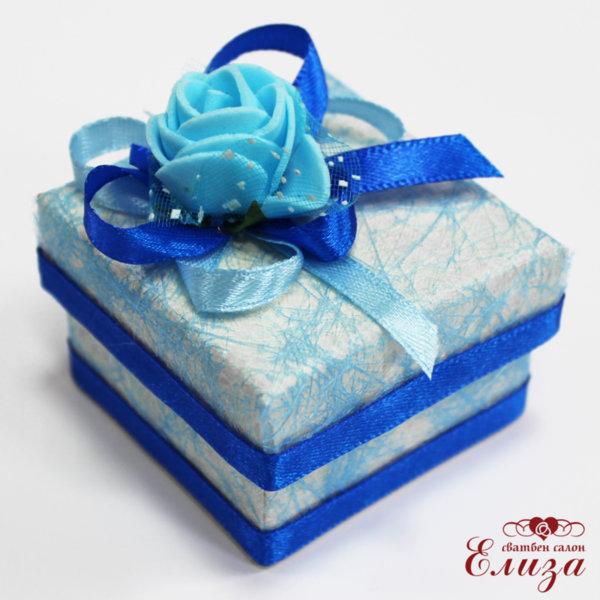 Кутийка за косичка в синьо за кръщене но момче
